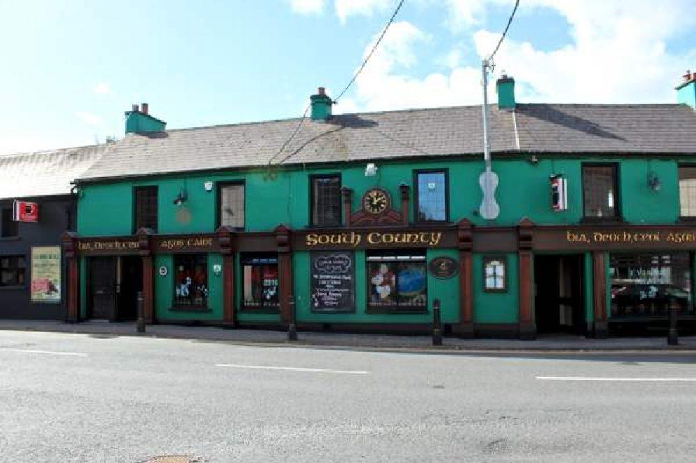 South County Bar Douglas,